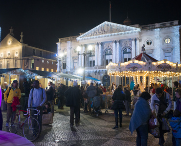 Lisbon Christmas markets are a great opportunity to find a present and have a good time