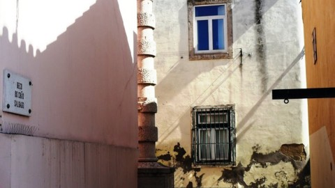 Beco do Chão Salgado - Alley of the salted ground, the site of a tragic chapter in Lisbon's story