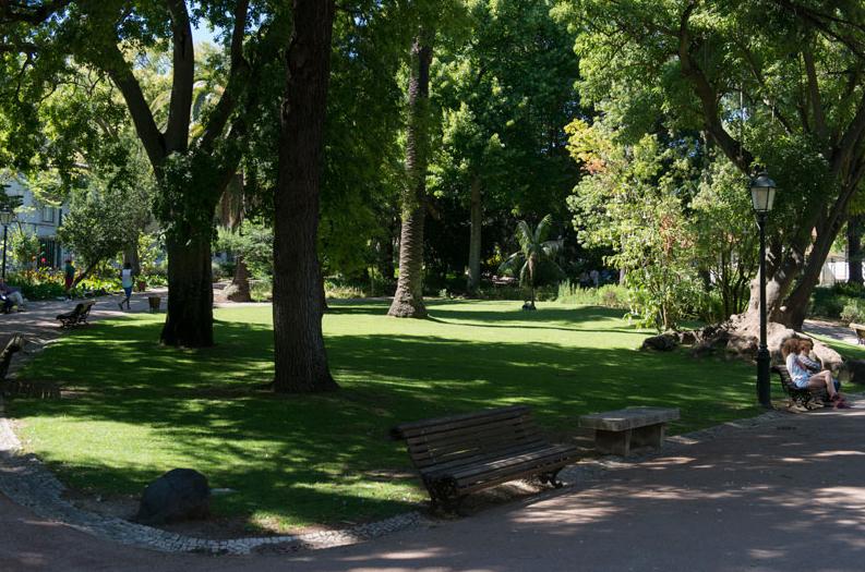 Jardim da Estrela - a refuge in the center of Lisbon